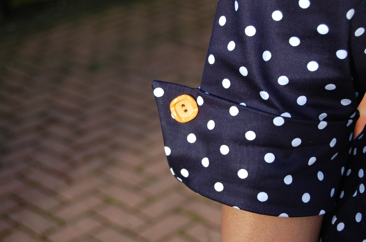 New Look 6000 - mustard button detail at cuff.