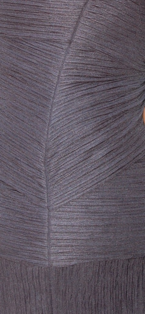 Vogue 8904: close up of side seam where shingles meet