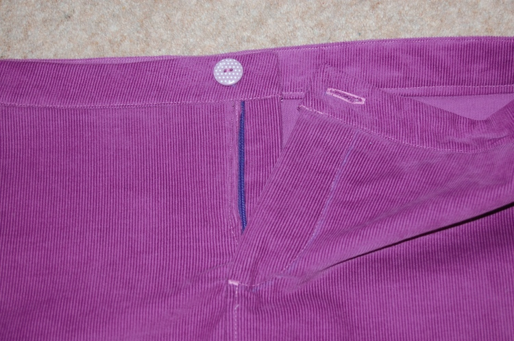 Grainline Moss Mini: close up of zippered fly.