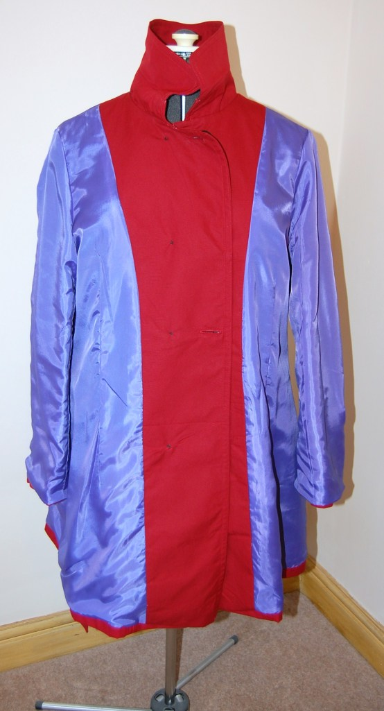 Vogue 8884 DIY trench - yep, I used this contrasting lilac coloured acetate lining. Seeing the pictures I wish I hadn't. Someday I will believe in my sewing abilities and upgrade to something more refined....