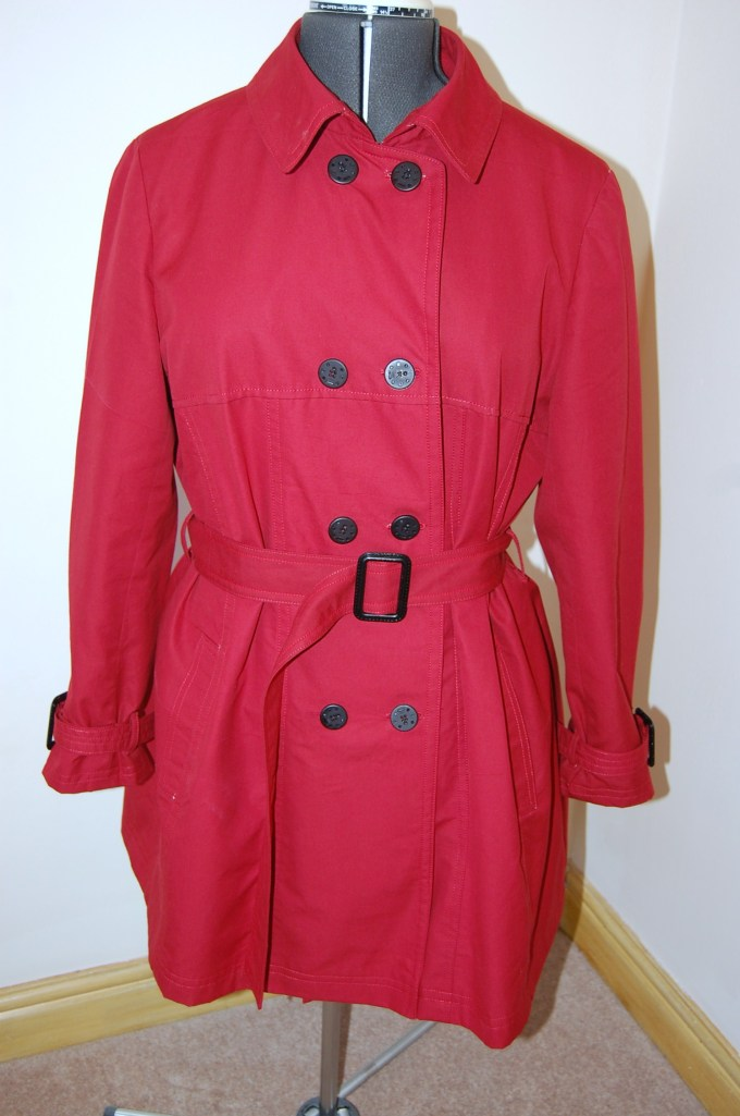 Vogue 8884 DIY trench - dress form shot