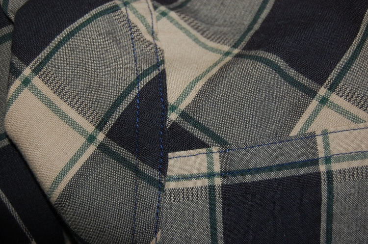 New Look 6180 - flat fell seams inside - I SWEAR the thread is not so noticeable IRL!