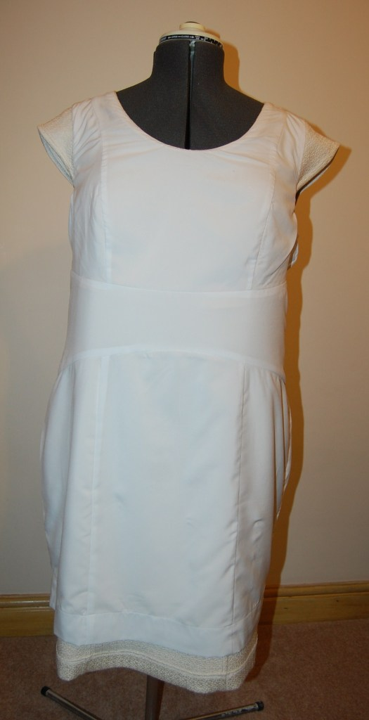 Vogue 8972 little white dress - lining