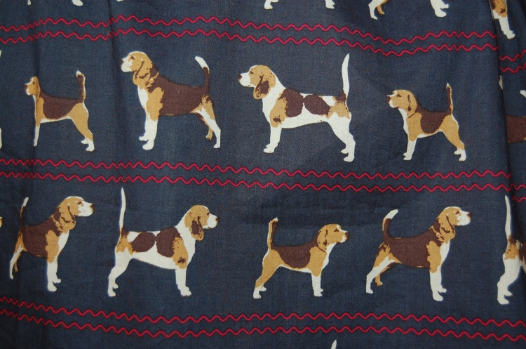 Vogue 8847 - dog print cotton lawn