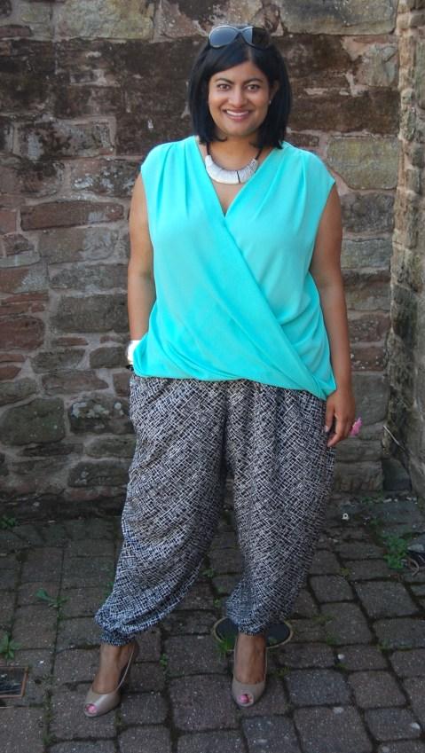 McCalls 6291 Viscose Pattermed Cuffed Trousers