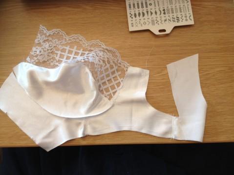 Assembling the bra