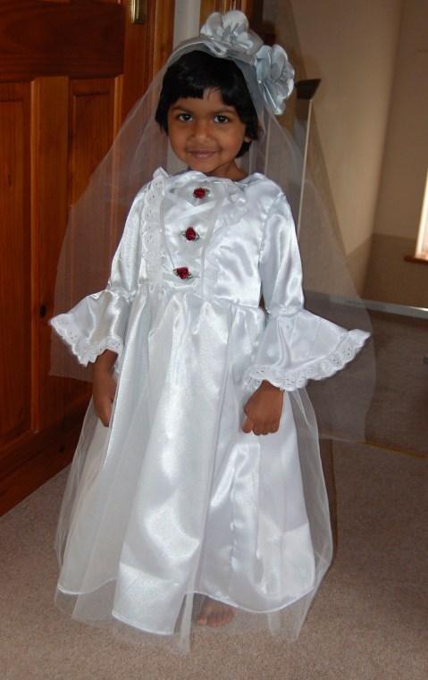Simplicity 2571: wedding dress (2011)