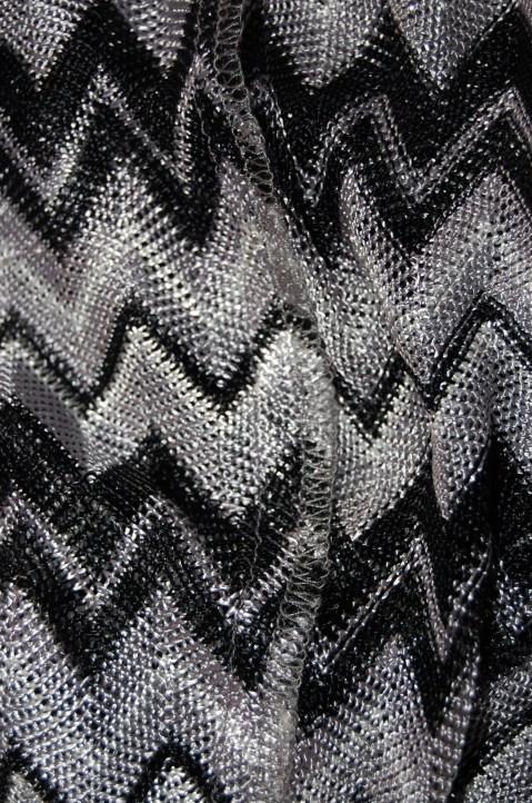 Vogue 1386 Missoni dress: 3 thread wide overlock finish on seams