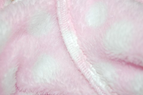 New Look 6847 Child's Dressing Gown - close up of stabilised shoulder seam using clear elastic