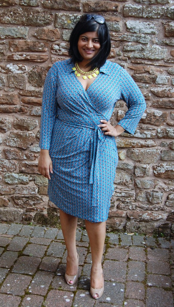 Vogue 8784 - DIY wrap dress