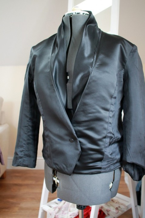 Vogue 8958: DIY Ladies Satin Tuxedo Jacket
