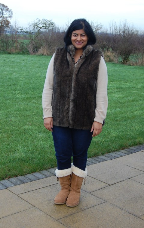 Vogue 8674 Faux Fur Gilet Vest