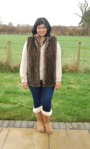 Vogue 8674 Faux Fur Gilet Vest