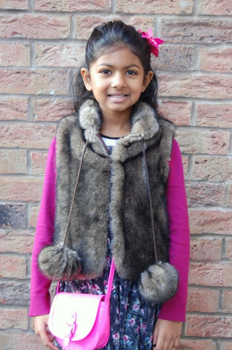 Simplicity 2479 little girls faux fur gilet