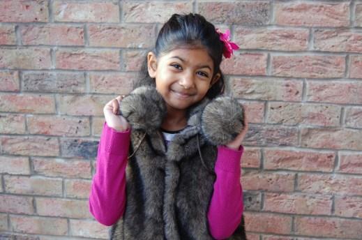 Simplicity 2479 little girls faux fur gilet