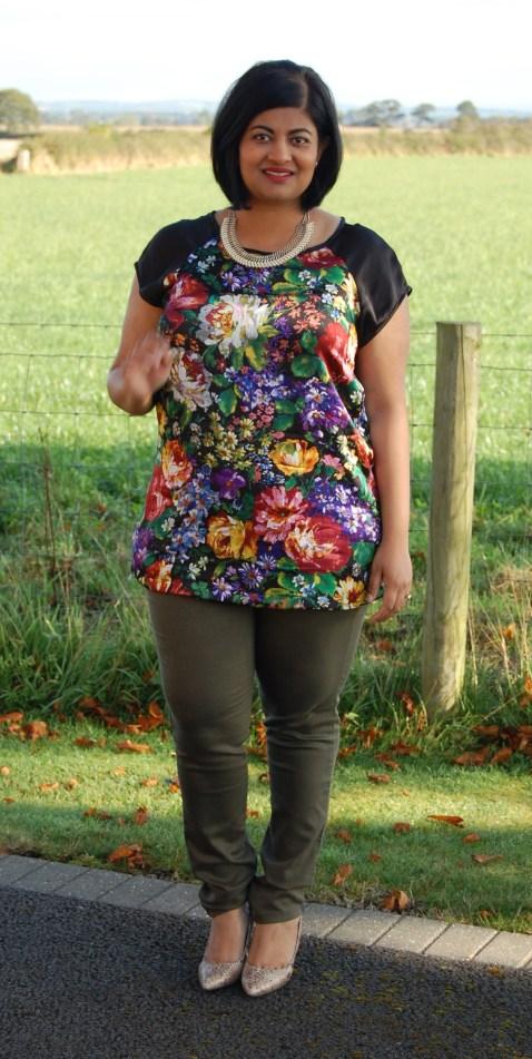 New Look 6225: Floral Contrast Raglan Silk Tee