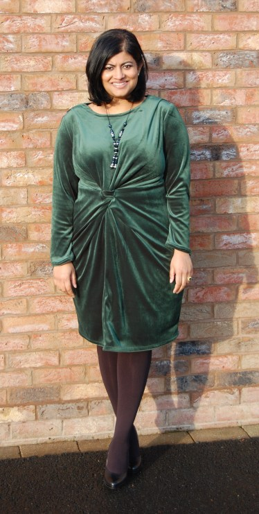 Vogue 1359: DIY Bottle Green Velvet Dress