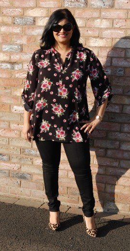 New Look 6374 Dark Floral Tunic Top